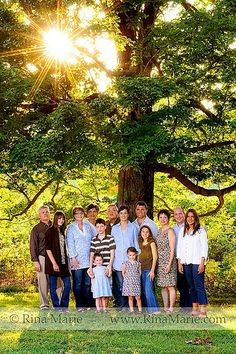 large family pictures ideas poses | Flickr: Discussing Large Group Family Portrait: Posing Ideas /Post ...