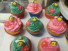 My bumblebee cupcakes! Gorge i love them!