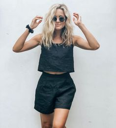The Safari Shorts in black or natural linen Short Outfits, Summer Outfits, Looks Jeans, Linen Shorts, Linen Dresses, Fashion Outfits, Womens Fashion, Aesthetic Clothes, Latest Fashion Trends