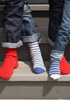 Free Knitting Pattern: Patons Classic Wool DK Superwash - Basic Socks