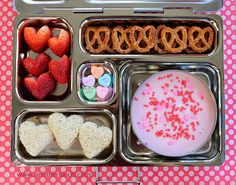 planet box lunch ideas - Google Search - YOGURT - could do sprinkles/granola in the little dipper!