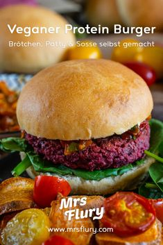 Veganer Protein Burger mit Dinkelbrötchen - Grill Rezept - Mrs Flury