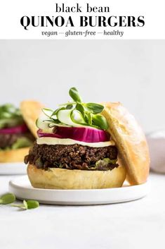 These Black Bean Quinoa Burgers are a healthy vegetarian & vegan burger loaded with protein and bold flavour, and baked to a great burger texture! Quinoa Veggie Burger, Black Bean Quinoa Burger, Bean Burger, Healthy Burger Recipes, Healthy Sandwiches, Vegetarian Recipes, Delicious Recipes, Healthy Food, Savoury Recipes