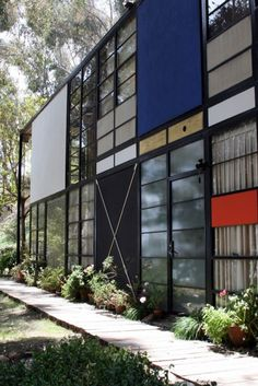 Eames House: home of Ray and Charles Eames : DESIGN do.se