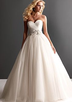 Ball Gown Ruching Strapless Tulle Wedding Dress