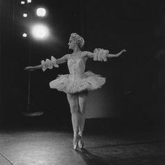 Kathleen Gorham as Swanilda in Peggy van Praagh's Coppélia, 1962.