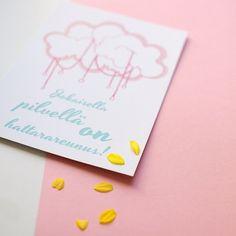 Painosta tulleita kortteja, osa 2 . Tulossa myyntiin Lapsimessuille, Lastenvaatekarnevaaliin ja verkkokauppaan. Painettu Suomessa! #kortit #sisustus #sisustuskuva #madeinfinland #tehtysuomessa #taide #illustration #pilvi #pouta #poutapukimo #verkkokauppa #osoiteprofiilissa