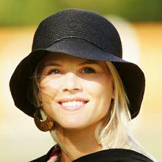 Born Elin Maria Pernilla Nordegren on January 1, 1980, in Stockholm, Sweden. Nordegren is only moments older than her twin sister, Jo...
