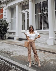 Visit the post for more. New Outfits, Spring Outfits, Fashion Outfits, Style Fashion, My Outfit, Outfit Of The Day, Outfit Ideas, Circle Skirt Calculator, Jacket Dress