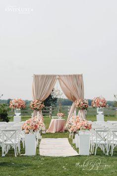 Warm peach color florals are so lovely. | Rachel A. Clingen Wedding & Event Design photo credit @mangostudios