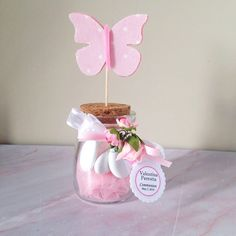 personalized favor for girls communion jar with stopper and felt and fabric butterfly assorted colors in pink and white and beige shades Butterfly Birthday Party, Butterfly Baby Shower, Pinterest Inspiration, Fabric Butterfly, Butterfly Colors, Personalized Favors, Handmade Felt, Girl Shower, How To Make Bows