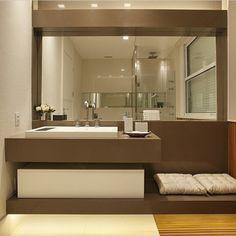 banheiro bancada silestone marrom cuba embutida banco
