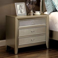 Furniture of America Merria Contemporary Silver 3-drawer Nightstand