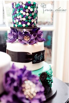 Beautiful brightly colored cake by Bella Manse White Wedding Cakes, Cool Wedding Cakes, Wedding Cake Designs, Teal Cake, Peacock Cake, Green Cake, Pretty Cakes, Beautiful Cakes, Amazing Cakes