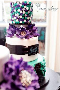 Beautiful brightly colored cake by Bella Manse Teal Cake, Peacock Cake, Green Cake, White Wedding Cakes, Cool Wedding Cakes, Wedding Cake Designs, Pretty Cakes, Beautiful Cakes, Amazing Cakes