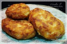 You searched for Frikadellen - Rezepte Potato Recipes, Pork Recipes, Cooking Recipes, Cheese Stuffed Meatballs, Musaka, Food Porn, Brunch, Food And Drink, Low Carb