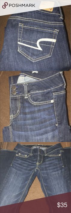 LIKE NEW AMERICAN EAGLE JEANS AMERICAN EAGLE BLUE JEANS ARTIST CUT SIZE 00. LIKE NEW. American Eagle Outfitters Jeans Boot Cut