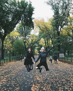 Got to spend an hour showing the gang around where I lived when I lived in NYC. We had so much fun… pinterest: @ashlin1025