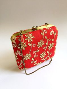 RED BOX CLUTCH/ Embellished red gold clutch purse from I Think Fashion by DaWanda.com Gold Clutch, Clutch Purse, Coin Purse, Handmade Clutch, Handmade Bags, Owl Bags, Bridal Clutch, Wedding Bag, Bride Accessories