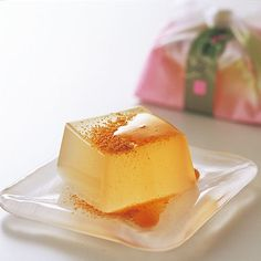 kudzu starch cake with soybean flour , 吉野の葛餅(よしののくずもち )