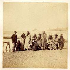 Blackfoot aka Sits in the Middle of the Land was one of the most important Apsalooka leaders of the 19th century. I start this thread with an article found here: http://www.theoutlaws.com/indians2