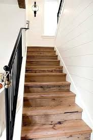 White Shiplap Walls with Wood Stairs & Black Iron Rail Style At Home, Future House, My House, Deco Cool, Beach Cottage Style, Modern Farmhouse, Farmhouse Stairs, Rustic Stairs, Cottage Staircase