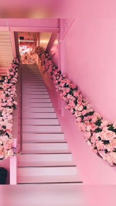 Bedroom Wall Collage, Photo Wall Collage, Picture Wall, Salon Interior Design, Boutique Interior, Pink Cafe, Beauty Salon Decor, Pink Photo, Pink Houses