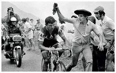 1971 13/7 rit 15 Saint-Aventin/Luchon-Superbagnères > José Manuel Fuente Lavandera will win the stage Vintage Cycles, Oppression, Saint, Victorious, Cycling, Stage, Tours, Antique Photos, Bicycling