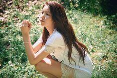 """G-Friend Poses Outdoors In Teaser Photos for """"Flower Bud"""" Kpop Girl Groups, Korean Girl Groups, Kpop Girls, Gfriend Profile, Gfriend Album, Gfriend Sowon, Friend Poses, G Friend, Water Flowers"""
