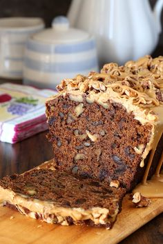 Date Coffee Cake with toadted Walnuts and Espresso Glaze - rich and full of flavor. Espresso soaked dates, toasted walnuts and espresso glaze. Food Cakes, Cupcake Cakes, Baking Recipes, Dessert Recipes, Fruit Cake Recipes, Healthy Cake Recipes, Loaf Recipes, Healthy Desserts, Easy Desserts
