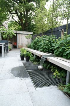 Garden Screening Ideas - Find inspiration for modern-day - into the short article, we will certainly give you an introduction of the kinds of privacy fence as well as garden wall. Screening fencing - products as well as. Outdoor Screen Room, Outdoor Rooms, Small Gardens, Outdoor Gardens, Garden Screening, Screening Ideas, Bamboo Screening, Fresco, Townhouse Garden