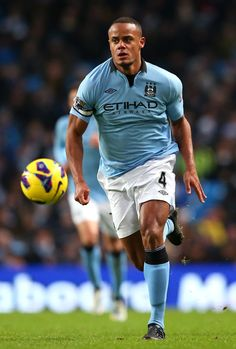 Vincent Kompany is a defender from Belgium. He made his first appearance for the national team, when he was only 17 years old. His current Club is Manchester City. He won Premier Leauge in 2012 with Manchester City. Vincent is known for his great defending skills, in many contries Worldwide. Best Football Players, Soccer Players, Vincent Kompany, Association Football, Sports Stars, Good People, Amazing People, Mans World, Club