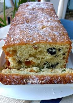 Bowl cake with blackberries and faisselle - HQ Recipes Sweet Recipes, Cake Recipes, Simple Recipes, Cheap Recipes, Raisin Cake, Bowl Cake, Fruit Smoothie Recipes, Fruit Recipes, New Fruit