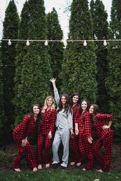 Wedding Day Fun winter wedding bridesmaid gift idea - flannel getting ready pajamas {John Myers Photography Winter Wedding Bridesmaids, Winter Wedding Ideas, Winter Bridesmaid Dresses, Small Winter Wedding, Winter Weddings, Romantic Weddings, Bridesmaid Ideas, Vintage Weddings, Spring Wedding