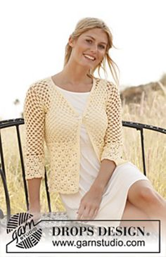 "FREE PTRN: #136-30 ""Buttercup"" - Jacket in ""Muskat"" by DROPS design. YARN: DK / 8 ply (11 wpi) HOOK: 4.0 mm (G) YARDAGE: 872 - 1635 yards (797 - 1495 m), Sizes available: XS/S - M - L/XL - XXL - XXXL"