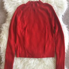 TOPSHOP CROP SWEATER ❤️BRAND NEW WITH TAGS TOPSHOP CROP SWEATER❤️ Topshop Sweaters Cowl & Turtlenecks
