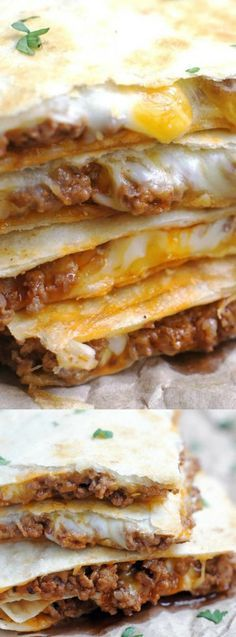 These Cheesy Ground Beef Quesadillas from 5 Boys Baker are an easy weeknight dinner that your family is going to gobble right up! They are a simple, no-fuss quesadilla that comes out slightly crispy a(Ground Chicken Quesadillas) Think Food, I Love Food, Good Food, Yummy Food, Meat Recipes, Mexican Food Recipes, Cooking Recipes, Ethnic Recipes, Best Quesadilla Recipe