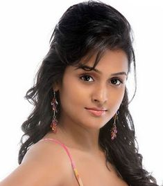 Most charmmimg girls Hot Actresses, Indian Actresses, Filipina Actress, Most Beautiful, Beautiful Women, Actress Pics, Indian Beauty Saree, Indian Models, Indian Celebrities