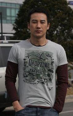 uhm tae woong Can We Love, Best Dramas, Korean Actors, Superman, It Cast, Mens Tops