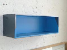 Rainer Splitt, Gussbox 01, glanzeloxiertes Aluminium, Pigment, Kunstharz, 20 x 60 x 20 cm, 2011