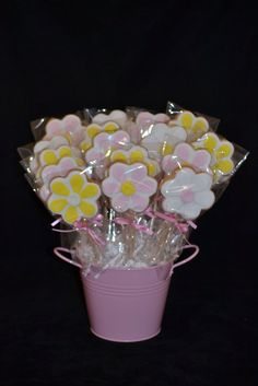 cute birthday cookie arrangements to go near the cake