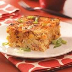 Wake-up Breakfast Casserole: Different spicier breakfast casserole. The chorizo makes it great. This is made the night before so you are not so busy in the morning! Chorizo Breakfast, Mexican Breakfast Recipes, What's For Breakfast, Breakfast Dishes, Brunch Recipes, Yummy Recipes, Ham And Egg Casserole, Breakfast Casserole Easy, Balsamic Roast Beef