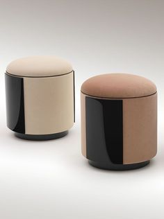 Elegant and modern upholstered stools for bathroom interior design projects with a sophisticated style and handcrafted in Portugal. Furniture Upholstery, Design Furniture, Chair Design, Modern Furniture, Upholstered Chairs, Ottoman Stool, Round Ottoman, Commercial Furniture, Soft Seating
