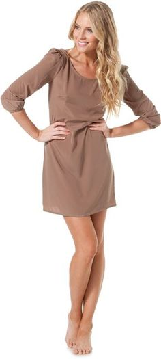 neutral dress. perfect for accessorizing!