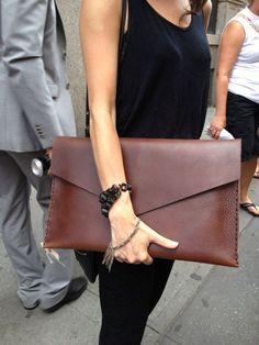 Large leather clutch in chestnut brown Hand by LUSCIOUSLEATHERNYC, $182.00 Diese und weitere Taschen auf www.designertaschen-shops.de entdecken
