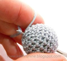 Katrinshine: How to make crochet ball