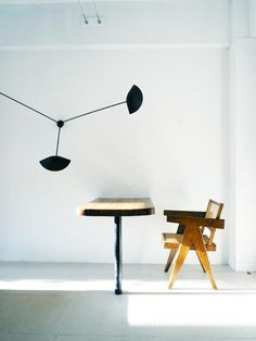 Admiring the life and work of designer Charlotte Perriand . Pierre Jeanneret, Charlotte Perriand, Chandigarh, Office Chairs Walmart, Home Furniture, Furniture Design, Interior Decorating, Interior Design, Interior Ideas