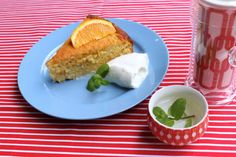This deliciously moist Orange + Chia Seed Cake is perfect for afternoon tea or dessert. Best served with a good dollop of sheep's yoghurt. A gluten free, sugar free twist on orange and poppyseed cake. Low Sugar Recipes, No Sugar Foods, Orange Recipes, Almond Recipes, Healthy Sweet Treats, Healthy Desserts, Healthy Food, Healthy Style, Paleo Sweets
