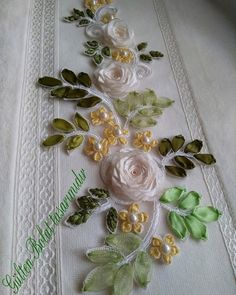 Have Fun with Silk-Ribbon Embroidery Floral Embroidery Patterns, Hand Embroidery Tutorial, Embroidery Bags, Silk Ribbon Embroidery, Crewel Embroidery, Ribbon Flower Tutorial, Satin Ribbon Flowers, Ribbon Work, Ribbon Crafts