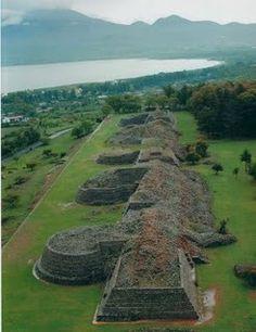 Pirámides de Tzintzuntzan, Michoacán. México. Centro ceremonial.